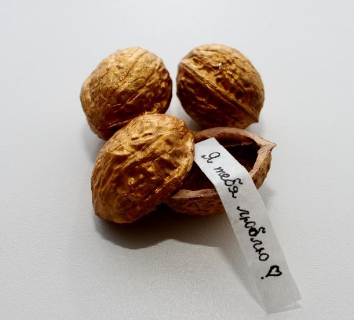 Как сделать подарок из орехов 42
